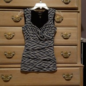 White House Black Market Sleeveless Vneck Shirt